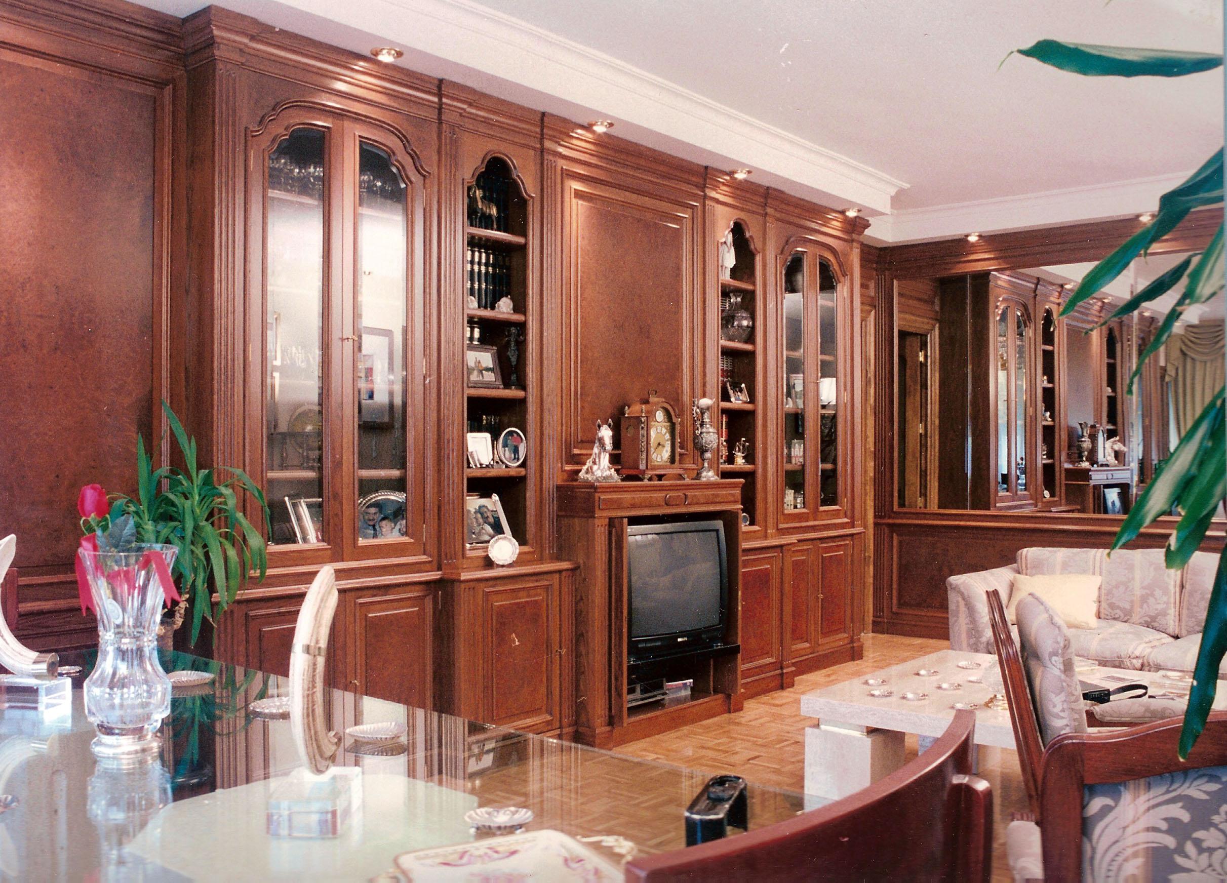 Mueble con chimenea perfect mueble para tv y chimenea - Muebles de chimenea ...